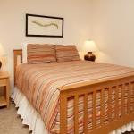 Ocean-Inn-Room-8-3.jpg